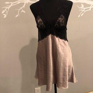Victoria Secret silky babydoll size L.    C18